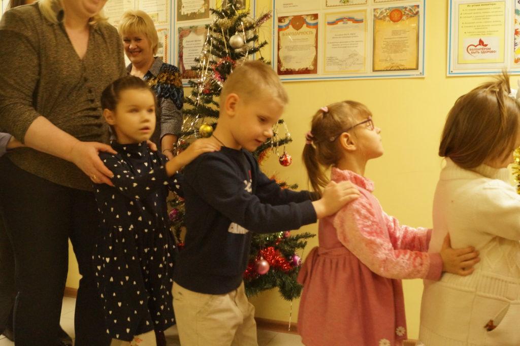 Дети на новогоднем мероприятии