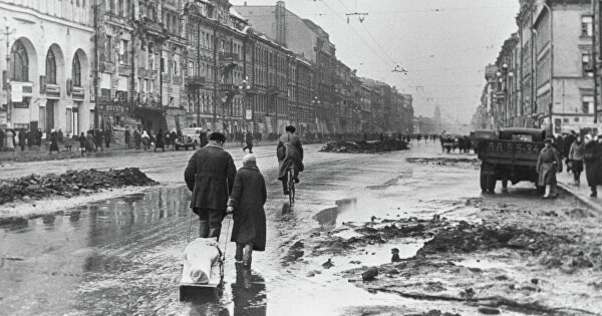 Мирные жители блокадного Ленинграда